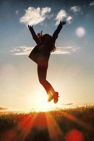 Glücklich werden, glückliche Frau, glücklich sein